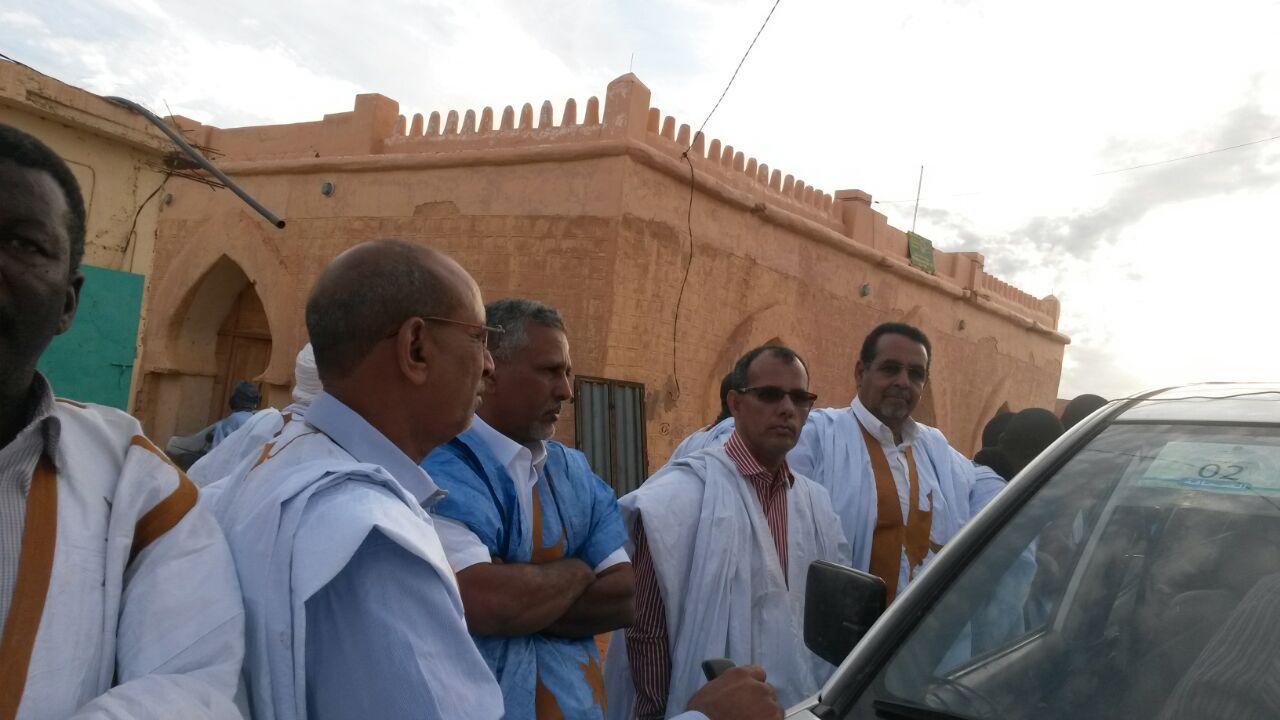 بعثة من حزب الحضارة والتنمية كانت في استقبال رئيس الجمهوية بشنقيط