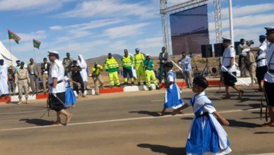 صورة اطفال يتقدمون مربع الگودة في عرض الحرس الوطني باگجوجت