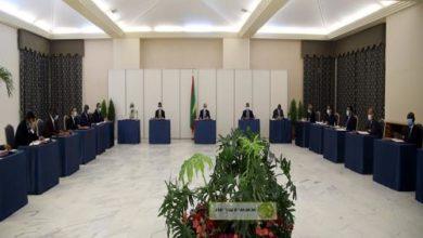 صورة مجلس الوزراء الموريتاني يفصل بين أعضاءه في ديكور جديد