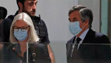 صورة الحكم على رئيس الوزراء الفرنسي الأسبق وزوجته بالسجن