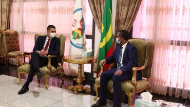 صورة رئيس الحكومة الإسبانية يصل نواكشوط رفقة وزيرة الخارجية