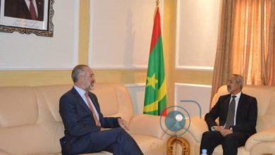 صورة وزير الدفاع الوطني يلتقي السفير البريطاني للمرة الثانية منذ توليه مهامه