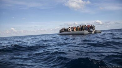 صورة خفر السواحل الموريتاني ينقذ ناجياً وحيداً من بين 27 مهاجراً قضوا غرقاً