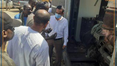 صورة النعمة: الوالي المساعد يتفقد المولد الكهربائي المستجلب من باسكنو